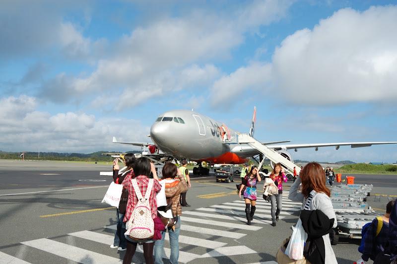 到着したジェットスター航空機の写真