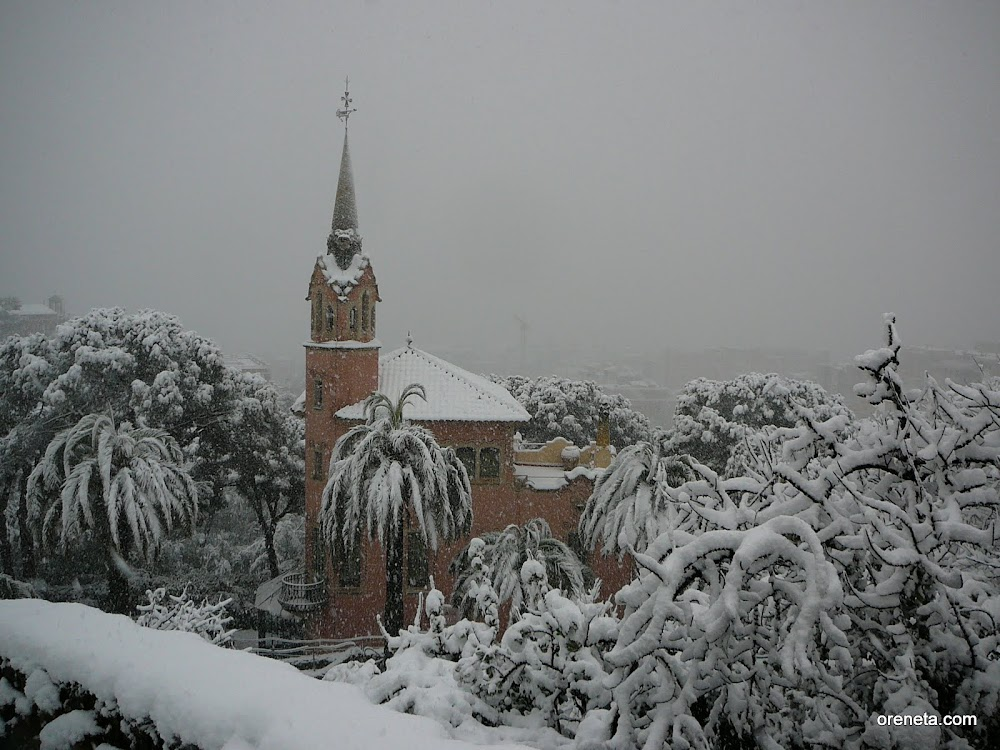 Gaudí house and museum under snow