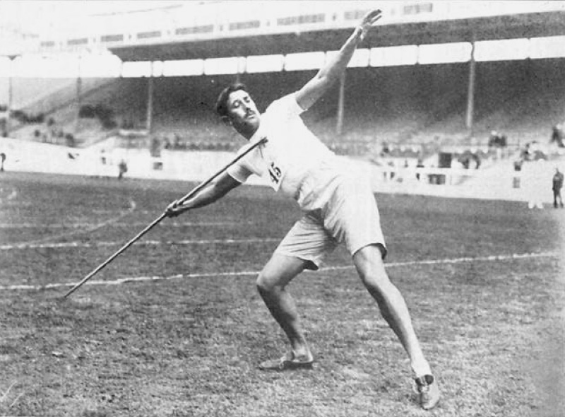 <a href='http://en.wikipedia.org/wiki/Eric_Lemming'>Eric Lemming</a> of Sweden came last in the 5,500m at the Paris Olympics in 1900. Photo CC from <a href='http://upload.wikimedia.org/wikipedia/commons/c/c3/Erik_Lemming.jpg'>Wikimedia Commons</a>.