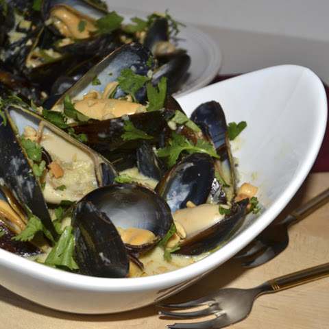 Coconut Curry Thai Mussels