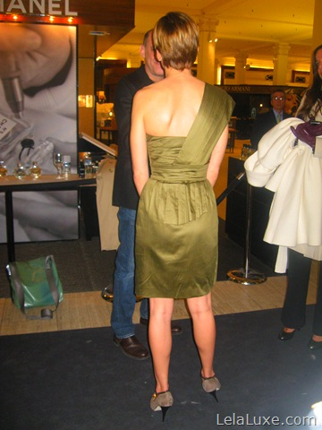 Hillary Swank back of dress