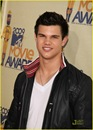 taylor-lautner-mtv-movie-awards-03