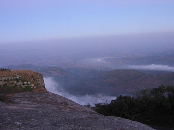 Kalavaarahalli betta [skanda giri] - A view