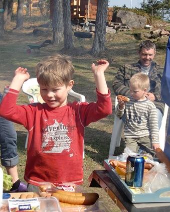 påsken 2011,barn og Oda011