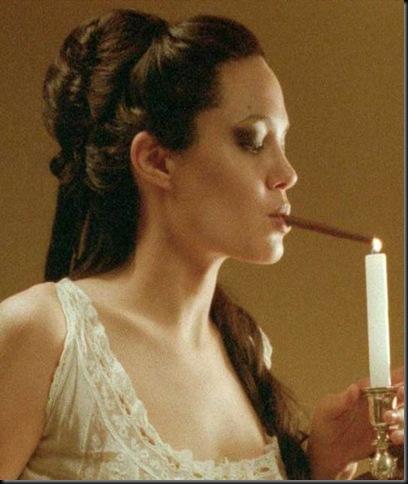 angelina-jolie-smoking-a-cigar
