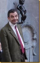 Essa é a cara que fica o botafoguense quando descobre que o Manequinho não tem nada a ver com o Botafogo - Estátua do Manneken Pis em Bruxelas