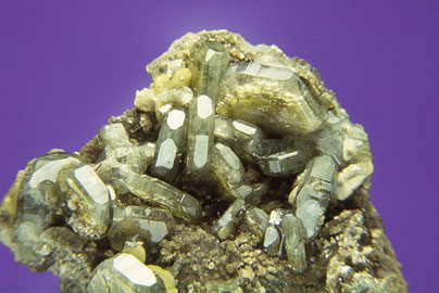 Fluorapatito-Fluorapatite