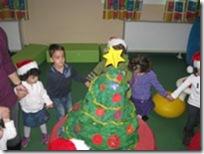 στολίζουμε-το-δέντρο-μας-(2)