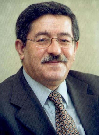Ahmed Ouyahia en Algérie se dit prêt à servir son pays
