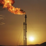 Champ de gaz au sud-est d'Alger. Le groupe public algérien d'énergie Sonatrach a signé un contrat de 2,88 milliards de dollars (2,1 milliards d'euros) avec le groupe américain KBR pour la construction d'une usine de gaz naturel liquéfié près du porte de Skikda, dans l'est du pays. /Photo d'archives/REUTERS