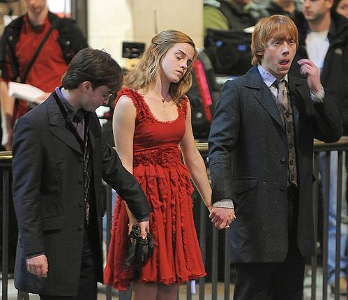 Emma Watson And Daniel Radcliffe Holding Hands Daniel and Rupert hold...