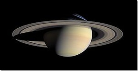 300px-Saturn_from_Cassini_Orbiter_(2004-10-06)