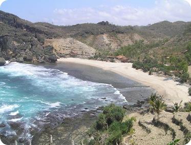 Pantai Siung 4