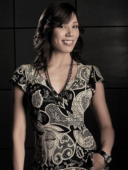 BONES: Michaela Conlin as Angela Montenegro in the second season of BONES premiering Wednesday, Aug. 30 (8:00-9:00 PM ET/PT) on FOX.   ©2006 Fox Broadcasting Co. Cr: Art Streiber/FOX