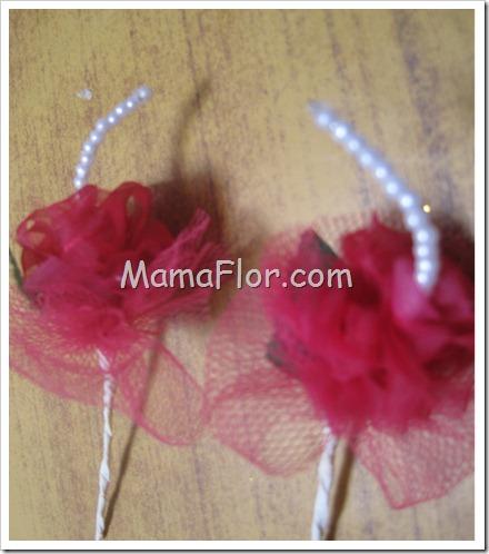 Flores: Claveles de cinta organza…