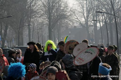 carnavalsoptocht josefschool 04-03-2011 (11).JPG