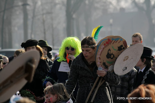 carnavalsoptocht josefschool 04-03-2011 (12).JPG