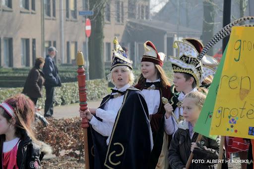 carnavalsoptocht josefschool 04-03-2011 (20).JPG