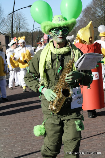 overloon carnaval optocht  06-03-2011 (109).JPG