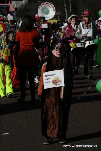 overloon carnaval optocht  06-03-2011 (106).JPG