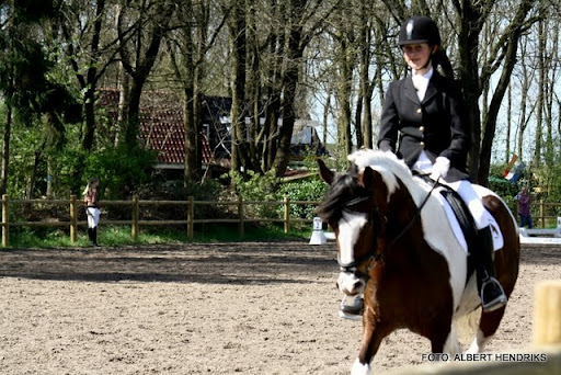 dressuurwedstrijd pony's overloon 09-04-2011 (19).JPG