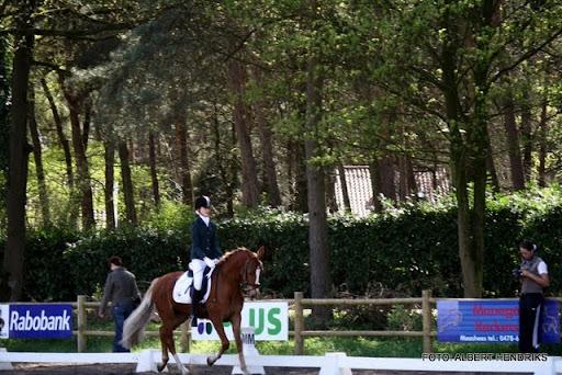 dressuurwedstrijd pony's overloon 09-04-2011 (8).JPG