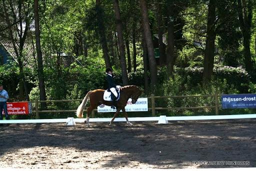 dressuurwedstrijd pony's overloon 09-04-2011 (17).JPG