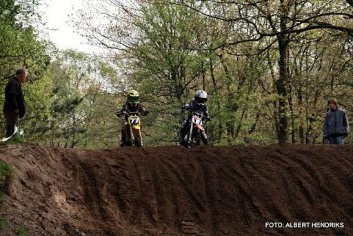 jeugdcompetitie jeugdmotorcross 16-04-2011 (25).JPG