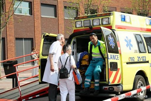 boxmeer verhuizen patienten maasziekenhuis 22-04-2011 (67).JPG