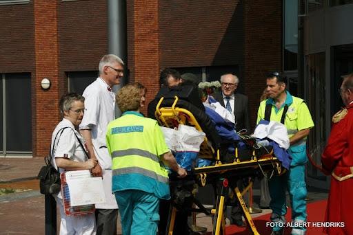 boxmeer verhuizen patienten maasziekenhuis 22-04-2011 (68).JPG
