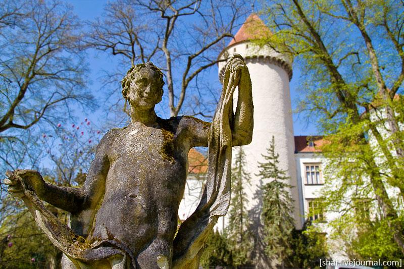 Чехия, Конопиште, парковые скульптуры