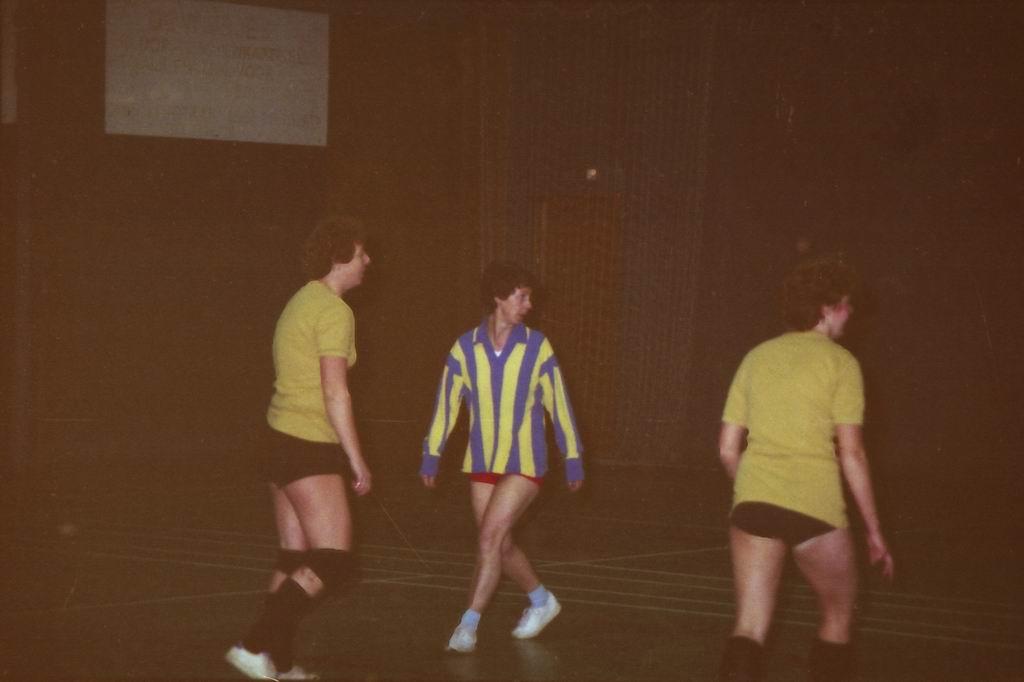 1982 - DMV - MCM Zaalvoetbal 1-19.jpg