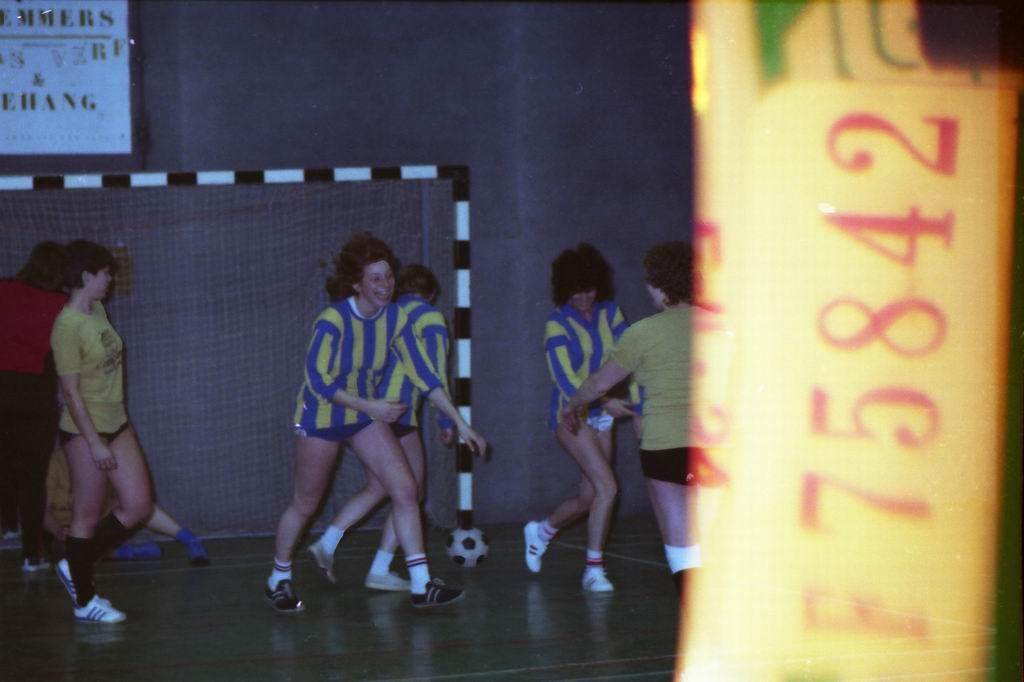 1982 - DMV - MCM Zaalvoetbal 1-25.jpg