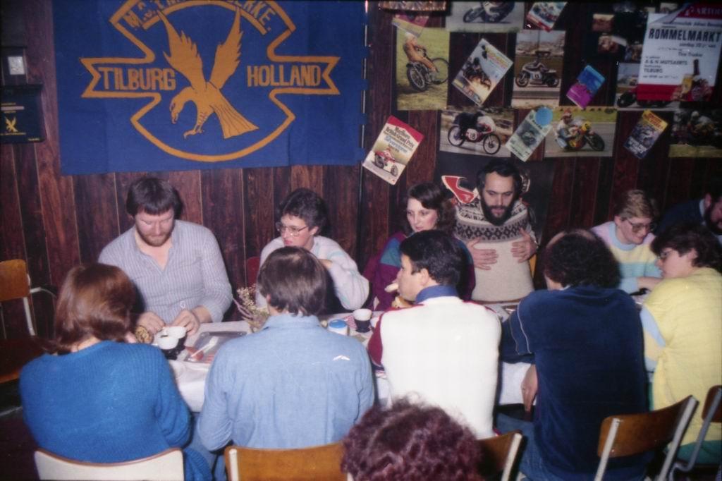 1982 - DMV - MCM Zaalvoetbal 2-18.jpg
