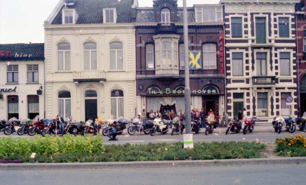 1977 - Groep Th.v.Broekhoven 3.jpg