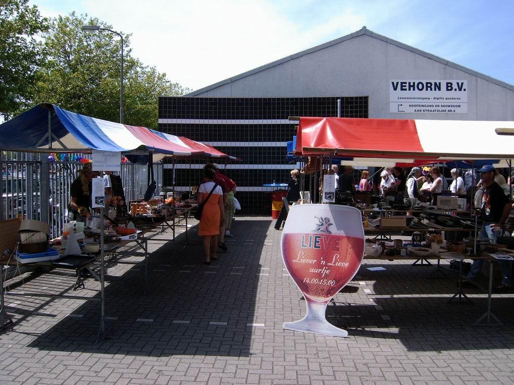 2005 - Rommelmarkt, 26-06 019.jpg