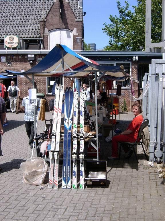 2005 - Rommelmarkt, 26-06 018.jpg