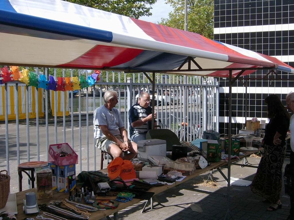 2005 - Rommelmarkt, 26-06 005.jpg