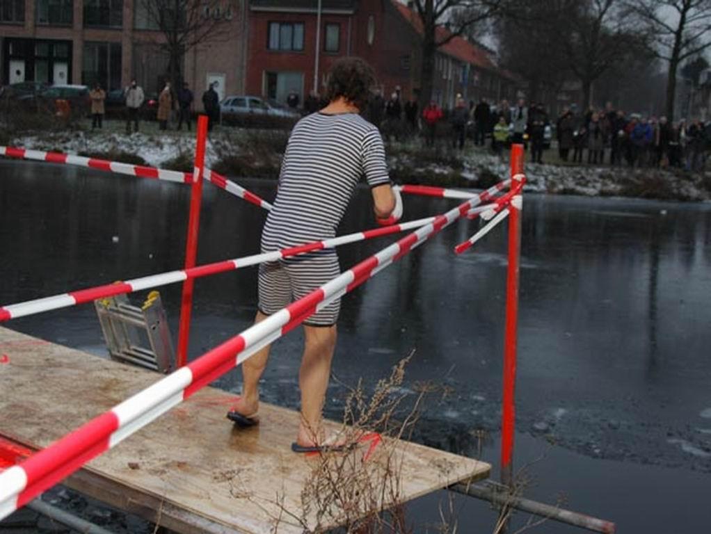 2009 - Nieuwjaarsduik 40.jpg