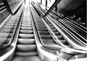 Quando ficar velho evite a escada rolante (vídeo)
