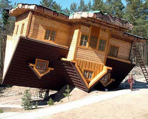 Upside-Down House (Syzmbark, Polônia)