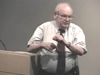 Benoît Mandelbrot delivers his presentation, 'The (Mis)Behavior of Markets: A Fractal View of Risk, Ruin and Return' at Microsoft Research, 23 August 2004.