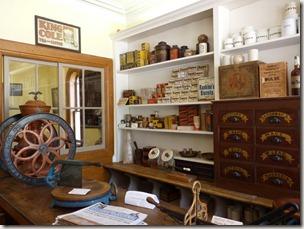 P1010085 Saint John magasin général