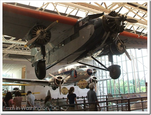 Ford 5-AT Trimotor and Douglas DC-3
