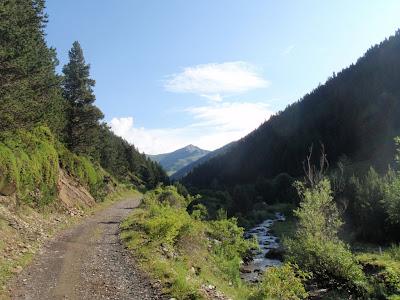 Remuntant la vall de Setúria