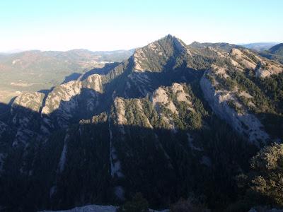 Plecs característics del vessant nord del Picancel