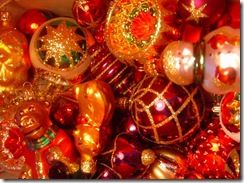 sparkly-ornaments-decorations
