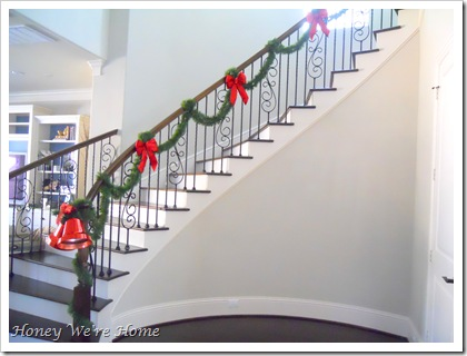 Honey We're Home: Our Sparkly Christmas Staircase