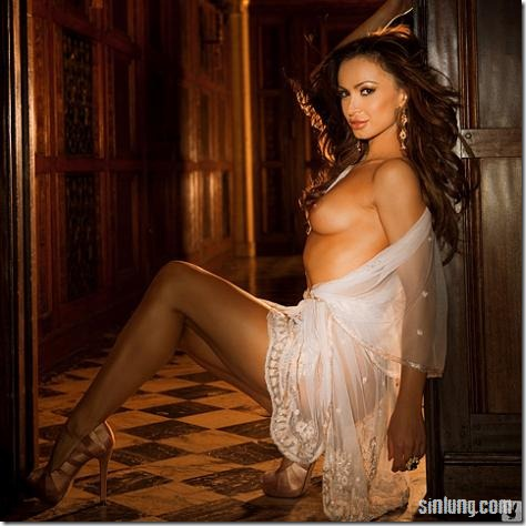 karina-smirnoff-may-playboy-lb