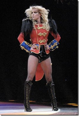 8060089_Britney-comeback2